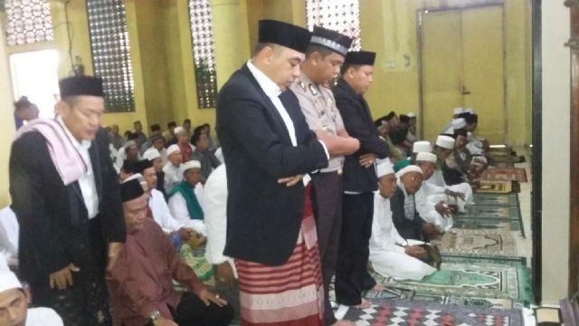 Zaki Salat Ied di Teluknaga, Hermansyah di Al Amjad