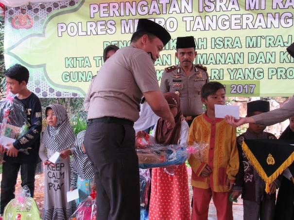 Polrestro Tangerang Santuni Puluhan Anak Yatim