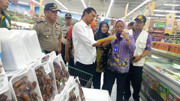 Pj Bupati Sidak Pasar Curug: Masih Ditemukan Makanan  Mengandung Formalin dan  Zat Pewarna Sintetis