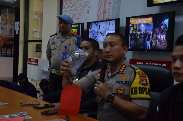 Beraksi di Puluhan Lokasi,  Komplotan Curanmor  Bersenpi Rakitan Dilumpuhkan Polisi