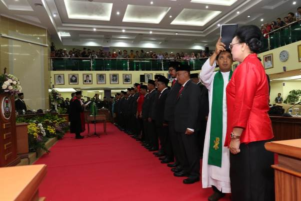 50 Anggota DPRD Kabupaten Tangerang Periode 2019-2024 Resmi Dilantik