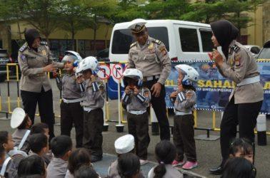 Puluhan Pocil Belajar Lalu Lintas di Polresta Tangerang
