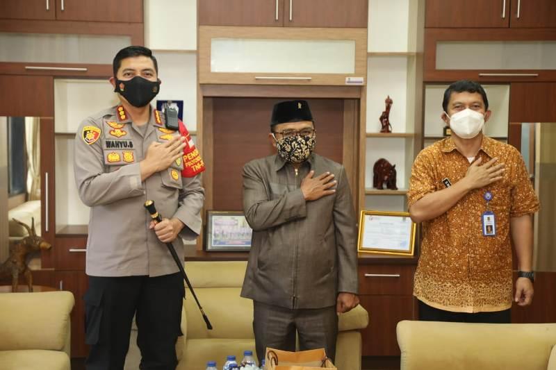 Tingkatkan Sinergitas, Kapolresta Sambangi  Ketua DPRD Kabupaten Tangerang
